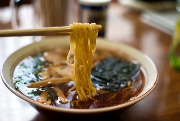遠州横須賀 松島食堂 ラーメンの麺
