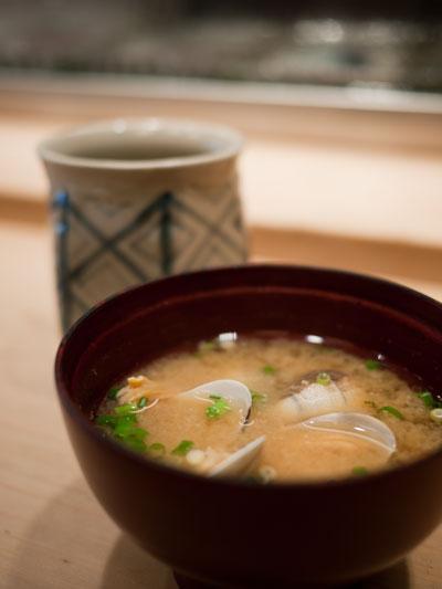 末廣寿司本店 お茶とお椀
