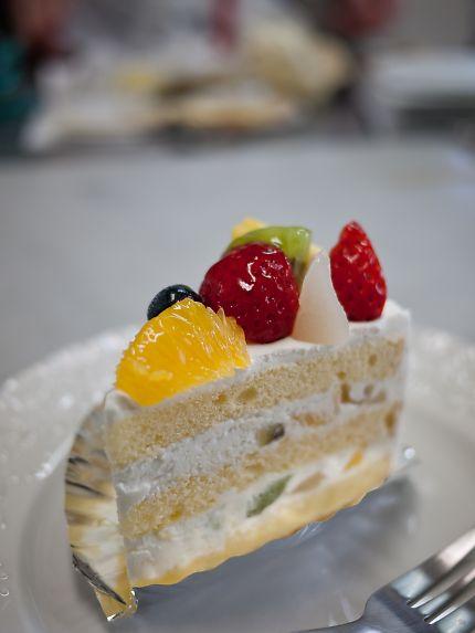 ポーズ フルーツケーキ