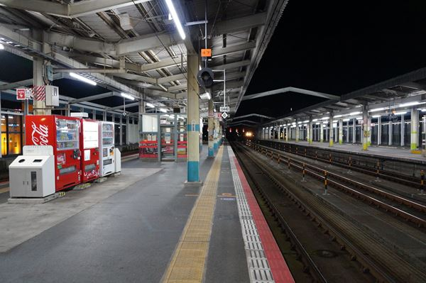 ここは岡山駅か