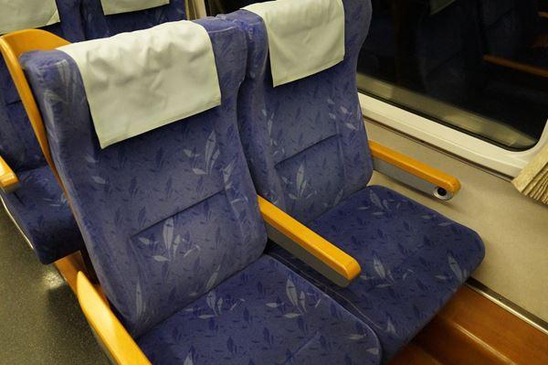 2号車座席