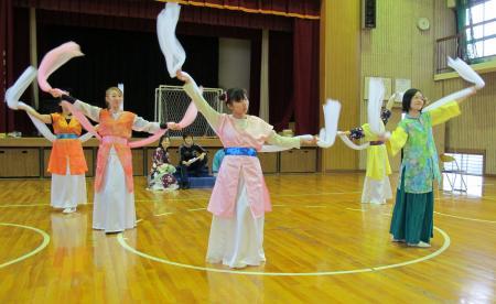 踊り子たちの舞①