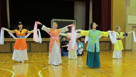 踊り子たちの舞②