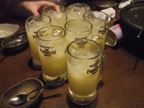 マンゴーカルピスサワー(ソーダ)は公式飲料ですから(?