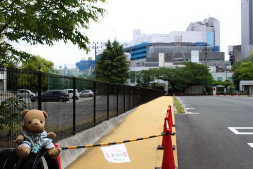 110507 センターと、観光バス駐車場入口から