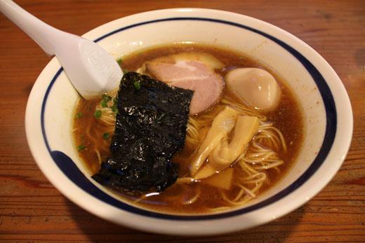 カレー麺・中辛 800円 110618