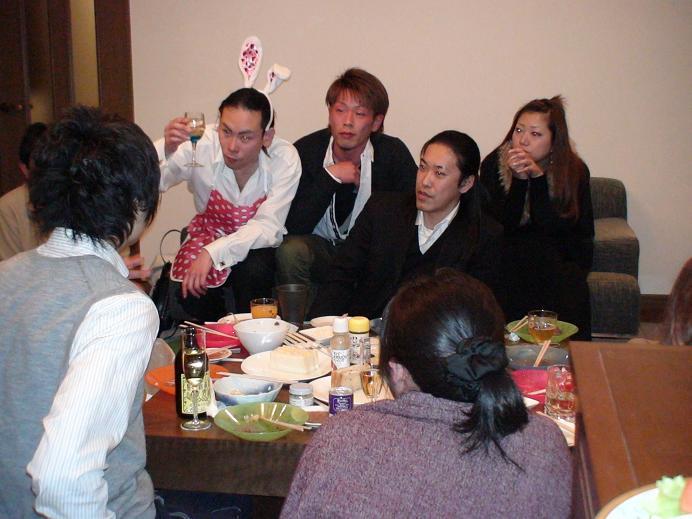 左から全国ブロガー協会新田勇介会長稲田健一朗代表平島賢一統括マネージャー.JPG