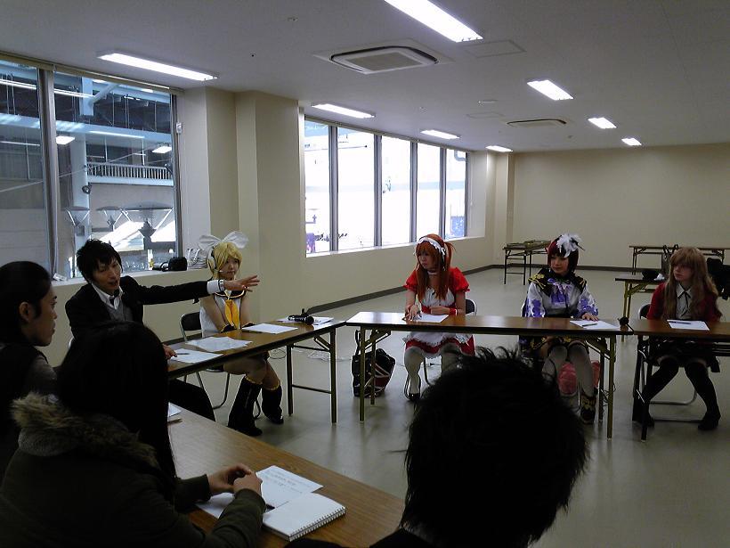 戸田達昭、平島賢一、穐山大輔とコスプレイヤー.JPG