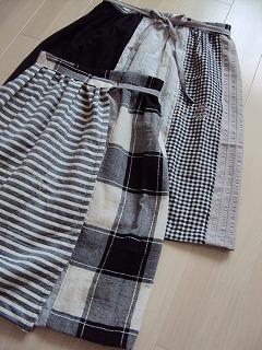 モノトーンパッチのラップスカート