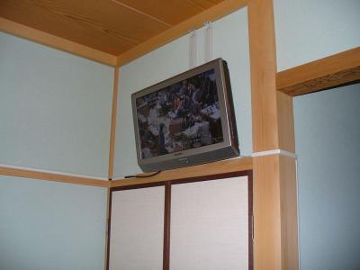 座敷でもおまかせ こだわりの テレビ壁掛け設置工事 05