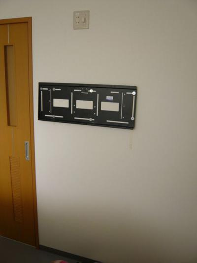 ) 32インチ壁掛け設置工事 15