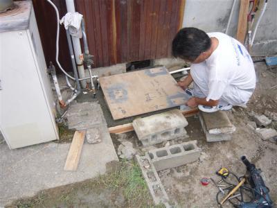 エコキュート コンクリート下穴