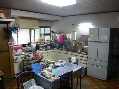 08 生口島 N様邸 リフォーム(タカラキッチン(L型)、クロス張替、床張替、天井張替、額縁塗装) べんりMAN 15