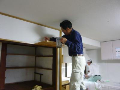 23 生口島 N様邸 リフォーム(タカラキッチン(L型)、クロス張替、床張替、天井張替、額縁塗装) べんりMAN 15