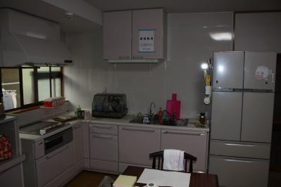 29 生口島 N様邸 リフォーム(タカラキッチン(L型)、クロス張替、床張替、天井張替、額縁塗装) べんりMAN 15