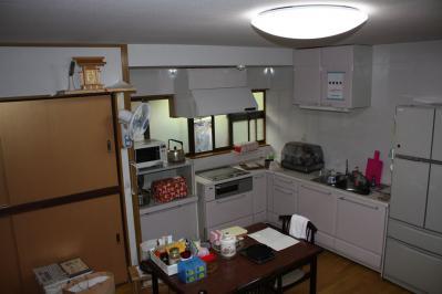 26 生口島 N様邸 リフォーム(タカラキッチン(L型)、クロス張替、床張替、天井張替、額縁塗装) べんりMAN 15