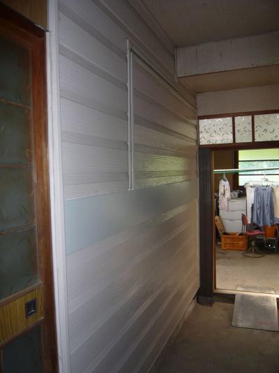 31 生口島 N様邸 リフォーム(タカラキッチン(L型)、クロス張替、床張替、天井張替、額縁塗装) べんりMAN 15