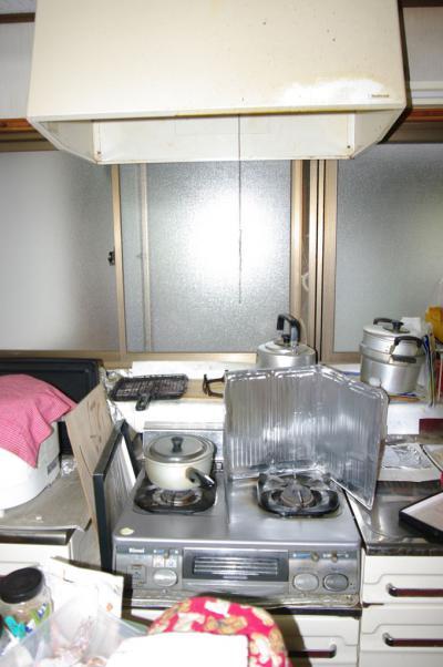 54 生口島 N様邸 リフォーム(タカラキッチン(L型)、クロス張替、床張替、天井張替、額縁塗装) べんりMAN 15