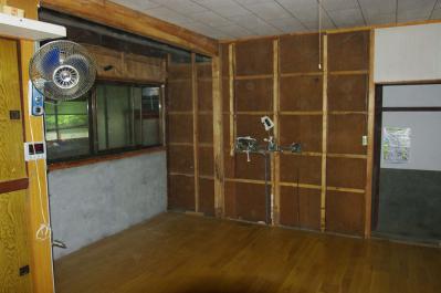 68 生口島 N様邸 リフォーム(タカラキッチン(L型)、クロス張替、床張替、天井張替、額縁塗装) べんりMAN 15