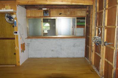 67 生口島 N様邸 リフォーム(タカラキッチン(L型)、クロス張替、床張替、天井張替、額縁塗装) べんりMAN 15