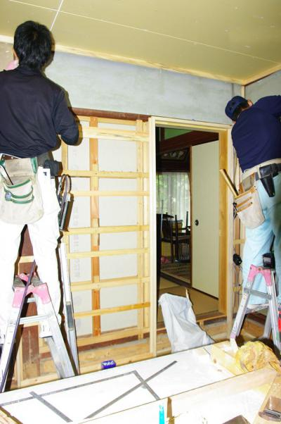 73 生口島 N様邸 リフォーム(タカラキッチン(L型)、クロス張替、床張替、天井張替、額縁塗装) べんりMAN 15