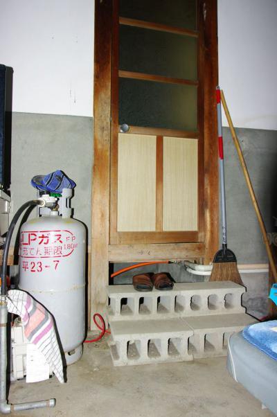 79 生口島 N様邸 リフォーム(タカラキッチン(L型)、クロス張替、床張替、天井張替、額縁塗装) べんりMAN 15