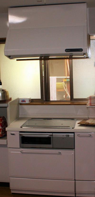 104 生口島 N様邸 リフォーム(タカラキッチン(L型)、クロス張替、床張替、天井張替、額縁塗装) べんりMAN 15