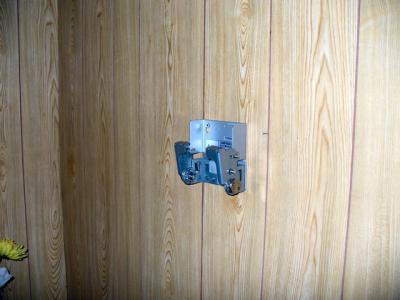 寝室薄型テレビ壁掛け工事 3