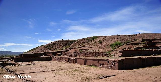 アカパナのピラミッド