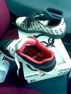 2010の靴