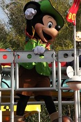 DCL2012 695