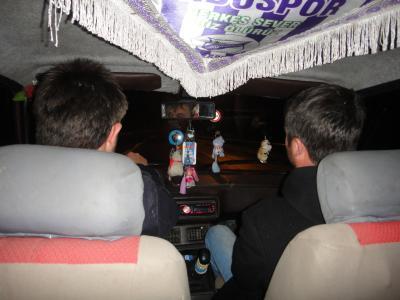 2011_0319_ユルマスアビーの車