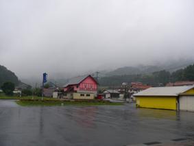 100927_公民館雨風景