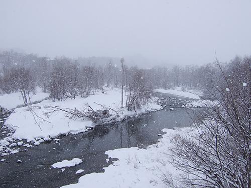 冬に逆戻り 札幌 豊平川