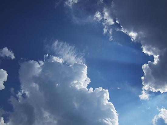 小樽ドリームビーチ 青い空と白い雲