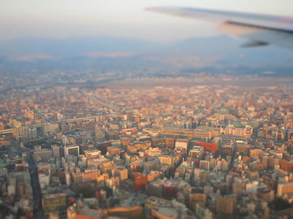 2013 九州行き 福岡空港 着陸間近
