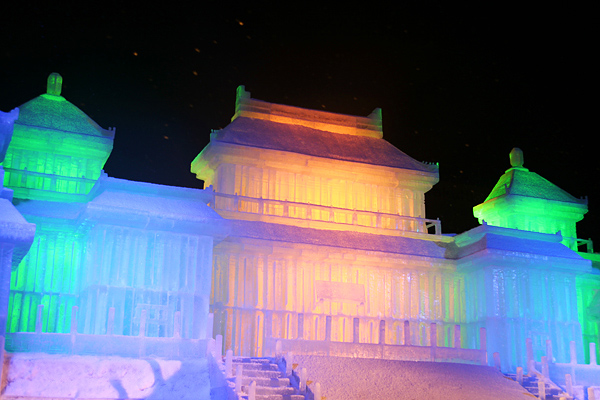 第63回さっぽろ雪まつり 故宮博物館 夜景