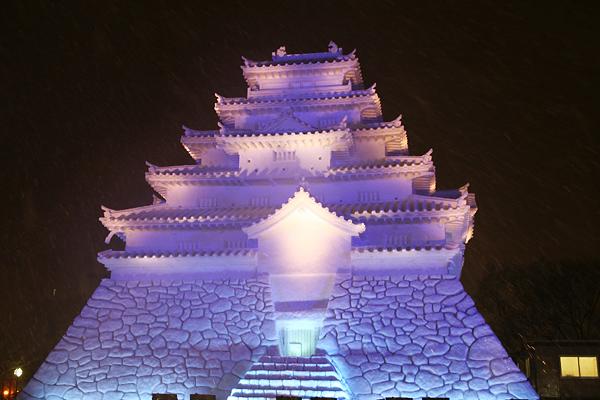 第63回さっぽろ雪まつり 会津 鶴ヶ城 夜景