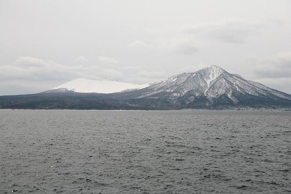支笏湖畔 風不死岳 樽前山(たるまえさん)