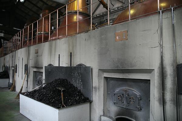 ニッカ 余市蒸溜所 蒸溜棟 単式蒸溜器(ポットスチル) 石炭直火蒸溜
