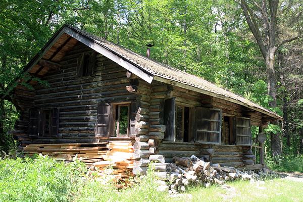 麓郷の森 黒板五郎の丸太小屋