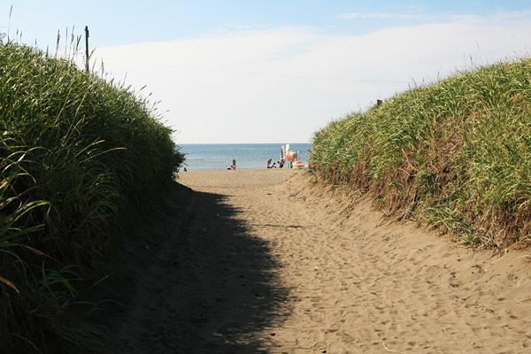 石狩浜海水浴場(あそびーち石狩) 海に続く道