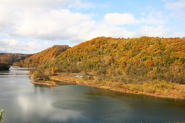 えにわ湖 漁川ダム 紅葉