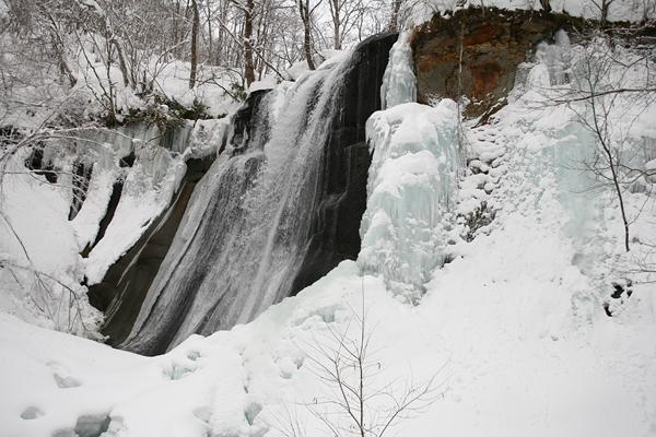 鱒見の滝 氷瀑