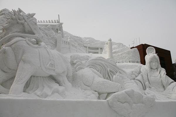 第64回さっぽろ雪まつりり 2013 伊勢 神話への旅