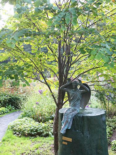風のガーデン 大天使ガブリエル 彫刻