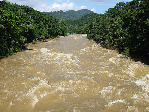 十五島公園 豊平川 吊り橋 洪水