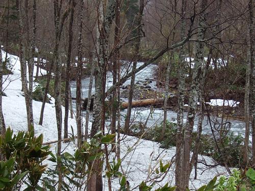 定山渓レークライン 川 雪