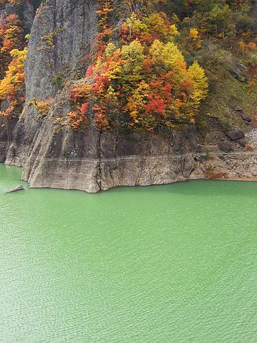 豊平峡 湖面