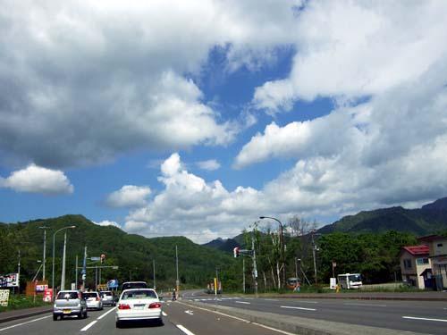 定山渓へ続く道